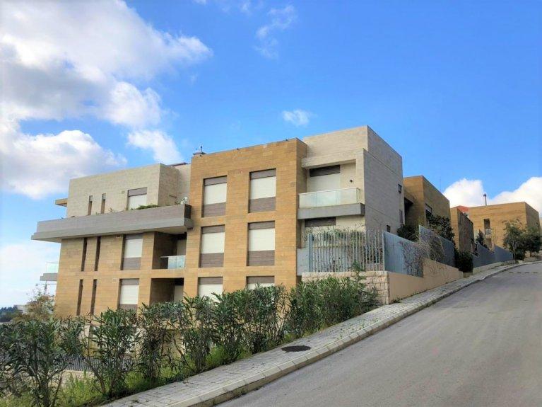 Grand Estate - Apartment in Beit Misk